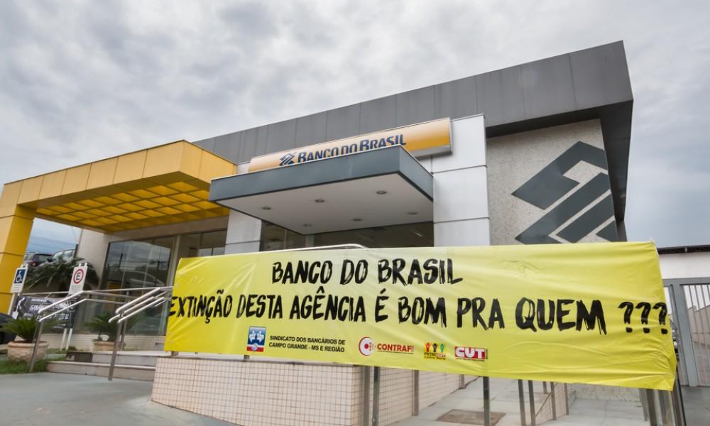 Trabalhadores protestam contra fechamento de agência no Mato Grosso do Sul - Créditos: Seeb Campo Grande