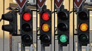 Mouzar Benedito: A saga de um daltônico para comprar roupas e interpretar o semáforo horizontal