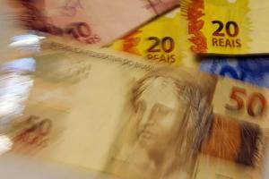 Vanessa Grazziotin: Bolsonaro usa pedalada para dizer que dívida caiu