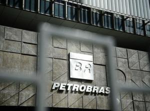 Vanessa Grazziotin: Bolsonaro quer vender o Brasil sem o apoio da população