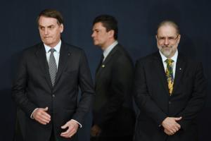 Tânia Maria de Oliveira: Apertem as garantias, o Moro sumiu!