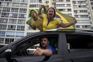 Marques Casara: Bolsominion que não sabe amar faz carreata pela morte