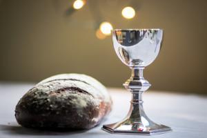 Mouzar Benedito: Vinho de igreja também deixa bêbado, principalmente os coroinhas