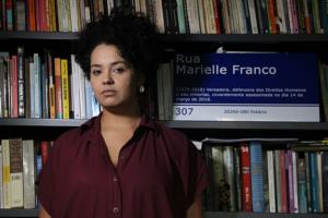 #34 Bianca Santana e a pergunta urgente: Quando o movimento negro convoca atos, quem vai?