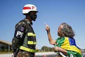 Vanessa Grazziotin: Aumenta a tensão política e Bolsonaro responde com mais violência