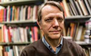 """#46 André Singer: """"Bolsonaro flerta com mudanças política e econômica sem ter um plano"""""""