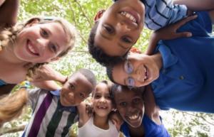 O que é felicidade para você? Crianças respondem ao Radinho BdF