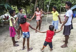 Crianças de comunidades tradicionais falam sobre brincadeiras no programa Radinho BdF