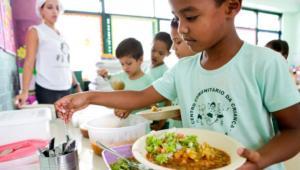 Crianças discutem o aumento da fome no Brasil no Radinho BDF