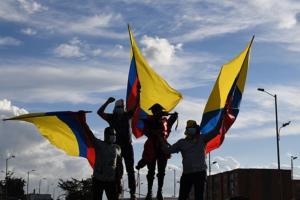 "#76 Iván Duque representa uma ""ultradireita miliciana"", afirma ativista colombiana"