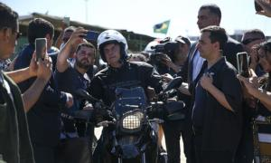'Bolsonaro usa pandemia para atacar instituições', diz médico ao Programa Bem Viver