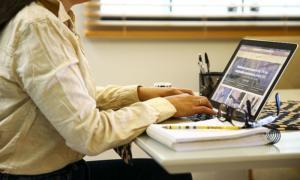 O que é burnout e como contornar problema? Acompanhe debate no Programa Bem Viver